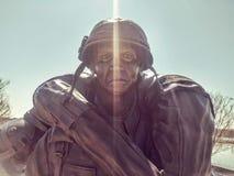 Den militära statyn på en minnes- veteran` s parkerar Fotografering för Bildbyråer