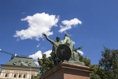 Den Minin och Pojarsky monumentet restes upp i 1818, röd fyrkant i Moskva, Ryssland Fotografering för Bildbyråer