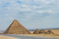 Den minsta pyramiden och pyramiderna av drottningen Royaltyfria Foton
