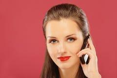 den mobila telefonen sade kvinnan Fotografering för Bildbyråer