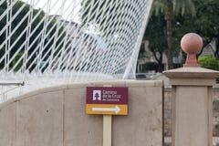 Den moderna brodetaljen och teckenrutten vallfärdar vägen, Camino de la Cru royaltyfri fotografi