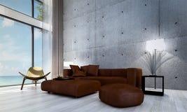 Den moderna designen för vardagsrumkorridor- och soffavardagsruminre och den röda betongväggen mönstrar bakgrund Arkivfoto