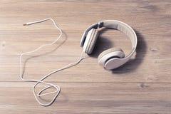 Den moderna hobbyen för tråd för melodi för techteknologispåret vilar kopplar av livsstilfritid kyler ut tranquile begrepp för re Arkivfoto