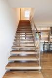 Den moderna loften, trappuppgång beskådar Arkivbild