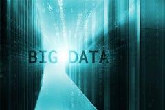 Den moderna serverrumsymmetrin rangordnar supercomputers Begreppet av stora data genomsyrar serveror av datorhallen Royaltyfri Bild
