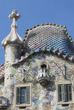 Den modernistiska CasaBatllo fasaden som planläggs av Gaudi Barcelona Royaltyfri Foto