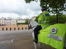 Den monterade polisen. London barnskydd Arkivbild