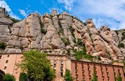 Den Montserrat kloster i bergen near Barcelona, Spanien Arkivbilder