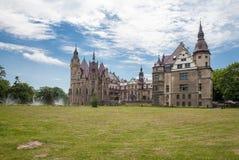 Den Moszna slotten är en historisk slott Royaltyfri Bild