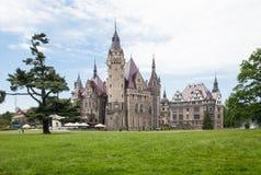Den Moszna slotten är en historisk slott Royaltyfri Foto