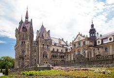 Den Moszna slotten är en historisk slott Royaltyfria Bilder