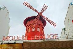 Den Moulin rougekabareten i Paris Royaltyfri Bild