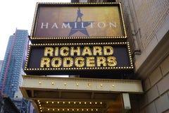Den musikaliska Hamiltonen på den Rodgers teatern i New York Arkivbilder
