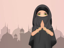 Den muslimska flickan med skyler Royaltyfria Bilder