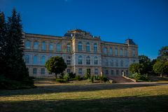 Den mysiga dagen i parkerar landskap i Gotha arkivfoto