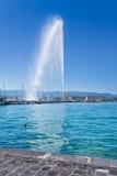 Den någonsin spouting stora springbrunnen kallade ` Eau, Genève, Schweiz för stråle D Arkivbild