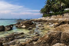 Den Nai Harn stranden i den Phuket ?n royaltyfri foto