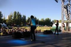 Den Napoleon Solo musikbandet utför på den Dcode festivalen. Royaltyfri Foto