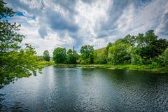 Den Nashua floden, i Nashua, New Hampshire Arkivbilder