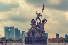 Den nationella monumentet kallade Tugu Negara i Kuala Lumpur, Malaysia fotografering för bildbyråer