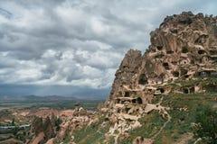 Den naturliga fästningen i vaggar i Uchisar, Cappadocia, Turkiet Oerhörda naturliga landskap Arkivbilder