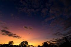 Den naturliga solnedgången Royaltyfri Fotografi