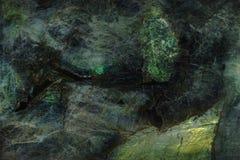 Den naturliga stenen med blänker, kallat Labradorit Big Blue arkivbild