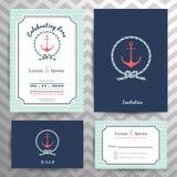 Den nautiska bröllopinbjudan och RSVP-kortmallen ställde in Arkivfoton