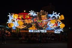 Den Nebuta flötet ståtar i den Aomori staden, Japan på Augusti 6, 2015 Arkivfoto