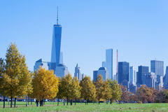 Den New York City horisonten från Liberty State Park Fotografering för Bildbyråer