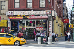 Den New York City souvenir shoppar Arkivfoton