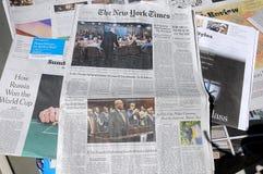 DEN NEW YORK TIMES HELGEN KOSTAR $6 00 USA DOLARS Arkivbilder
