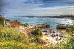Den Newquay hamnen norr Cornwall England UK gillar en målning i HDR Arkivfoton