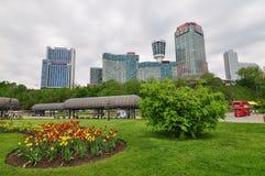Den Niagara Falls staden Arkivfoton