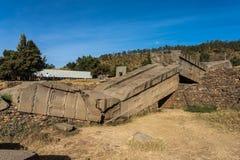 Den nordliga Stelaen parkerar av Aksum, ber?mda obeliskar i Axum, Etiopien arkivfoto