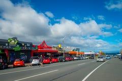 DEN NORR ÖN, NYA SJÄLLAND MAY 18, 2017: Taupo är en stad på kusten av sjön Taupo i mitten av den norr ön av Arkivfoto