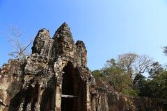 Den norr porten av Angkor Thom Royaltyfri Fotografi