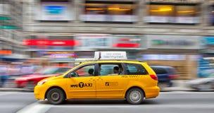 den ny staden taxar yellow Royaltyfri Bild