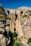 Den nya bron - Puente Nuevo i Ronda, landskap Royaltyfria Bilder