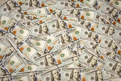 Den nya dollarräkningen för USA 100 på vit, makroskott S dollar för 100 bill Royaltyfri Foto