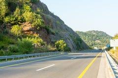 Den nya huvudvägen från huvudstaden till havet, Montenegro Arkivbilder