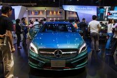 Den nya Mercedes Benz A250 skärmen på etapp royaltyfri fotografi