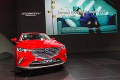 Den nya röda Mazda CX-3 Royaltyfri Foto