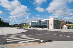Den nya stången posterar - den Warsaw stadionen i Polen Royaltyfri Fotografi