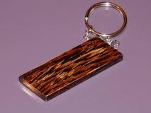 Den nyckel- cirkeln göras från dyrbart Wenge trä handgjort royaltyfri bild