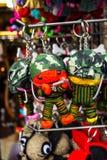 Den nyckel- kedjan på souvenir shoppar i handgjorda Thailand Arkivbild