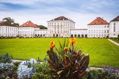 Den Nymphenburg slotten och parkerar den Munich Bayern Tyskland Royaltyfri Foto