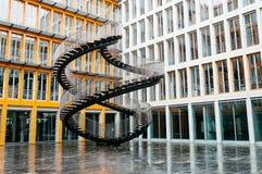 Den oändliga trappuppgången av Olafur Eliasson i Munich Arkivfoton