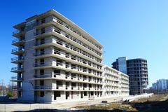 Den oavslutade konstruktionen för bostads- byggnad i Pasilaiciai Fotografering för Bildbyråer
