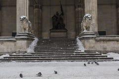 Den Odeons platzen i Munich i vintertid arkivbild